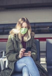 Wer am Handy spielt, ist mobil. Beim Warten auf dem Zug, in der Uni oder auf der Couch lässt es sich prima spielen. Einzahlungen funktionieren ebenfalls einfach über das Handy.